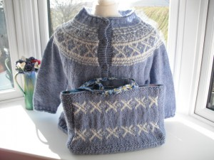 saltire cardigan and bag 003